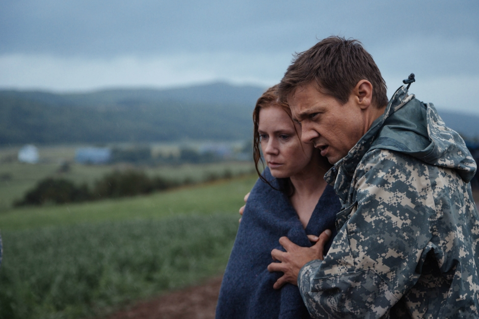 arrival-2016-movie-adams-renner.jpg