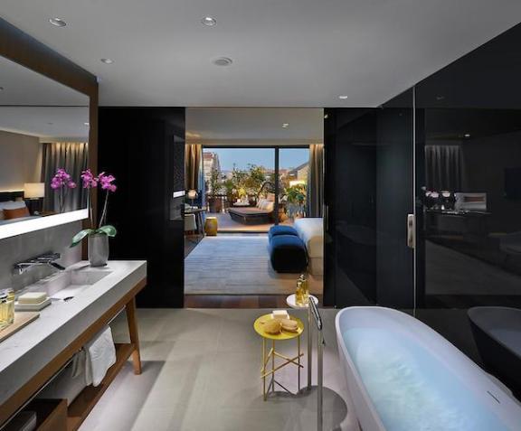 Premier Terrace Suite